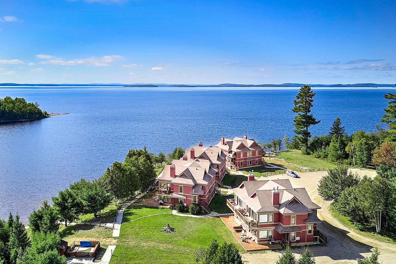 the windigo quebec lake town