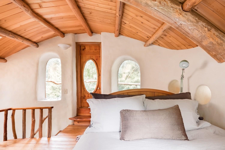 gulf islands airbnb bedroom