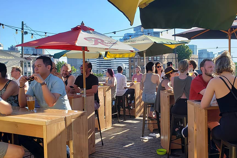 captain-blacks-rooftop-bar-patios-seattle
