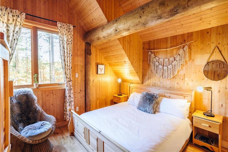 the wood house Muskoka