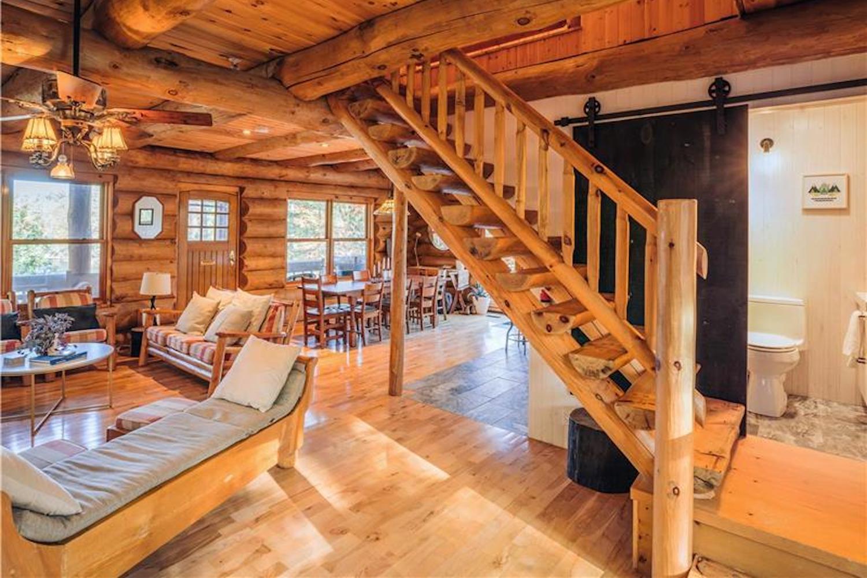 wood house Muskoka