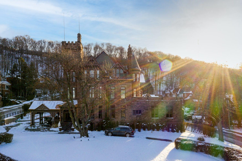 ravenscliffe castle