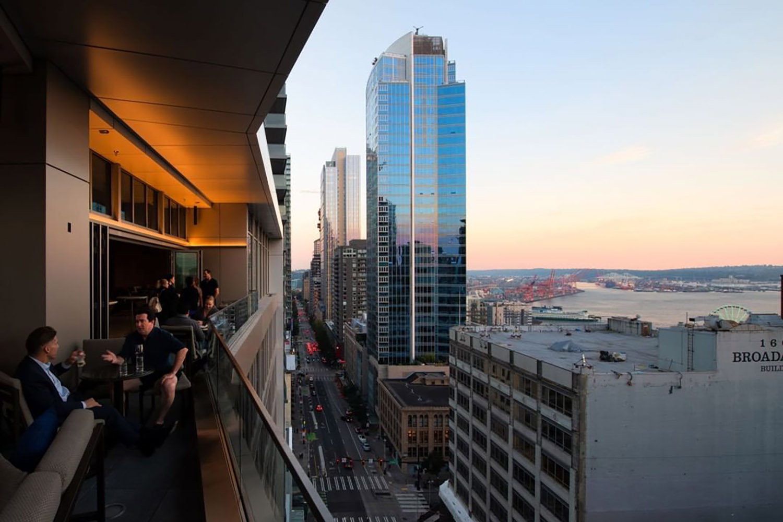 fog-room-seattle-bars-rooftop-patios