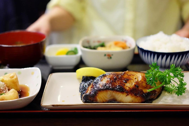 best hearty japanese restaurants vancouver hachibei