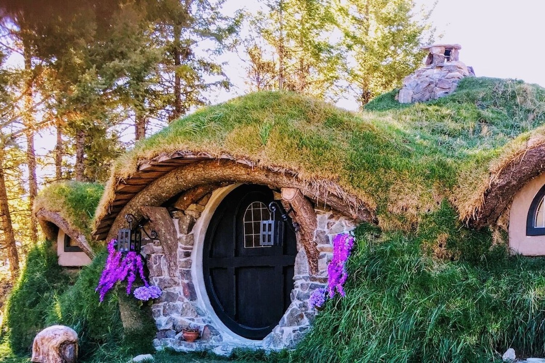 hobbit hole fall getaways bc