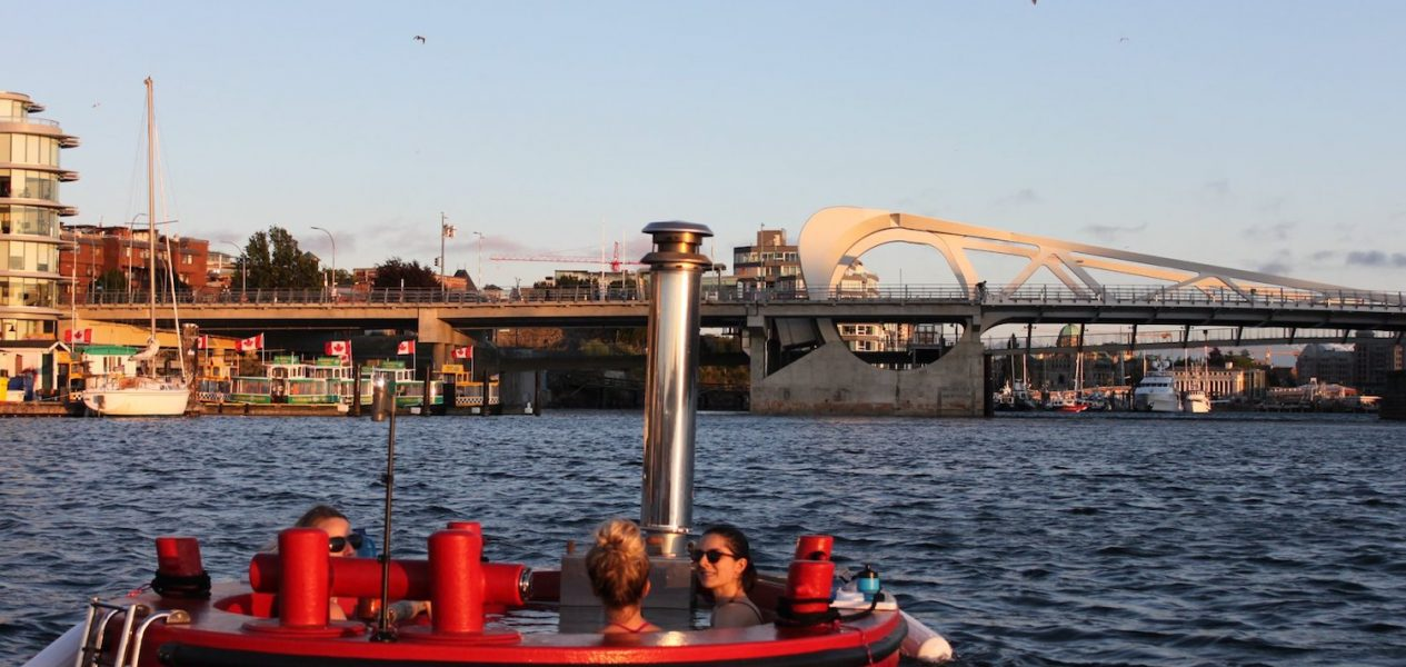 hot tub boat canada