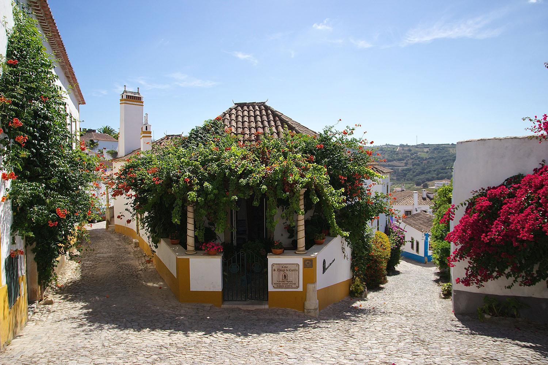 hidden romantic cities obidos portugal