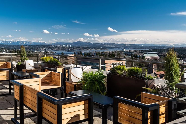 mountaineering-club-seattle-rooftop-patios-bars