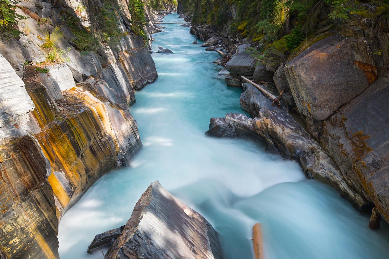 waterfalls in canada