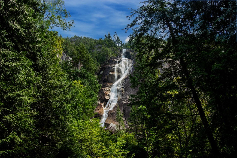 shannon falls waterfalls bc
