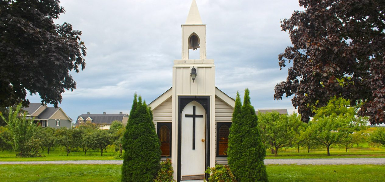 The World's Smallest Chapel is in Ontario and it's smaller than a studio apartment