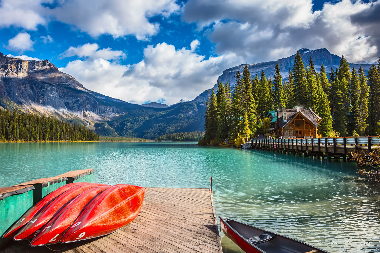 emerald lake beautiful lakes in canada