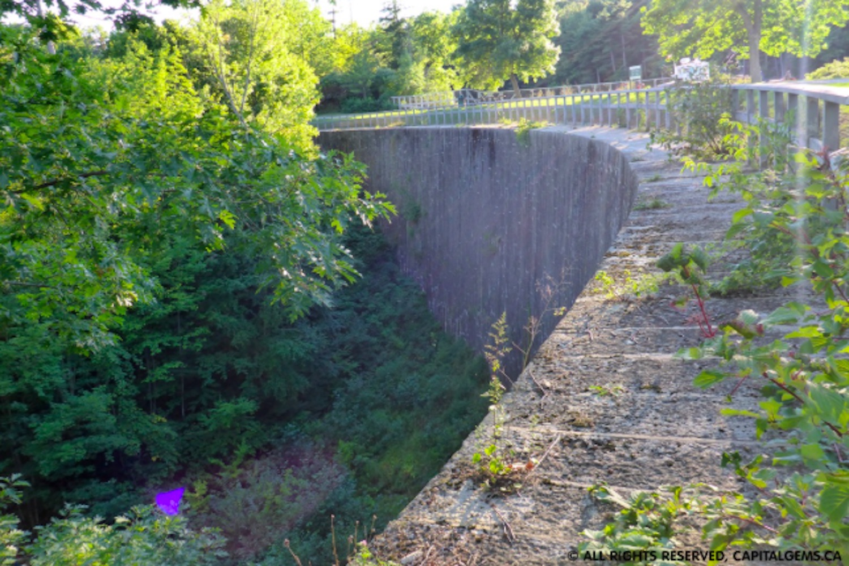 stone arch dam