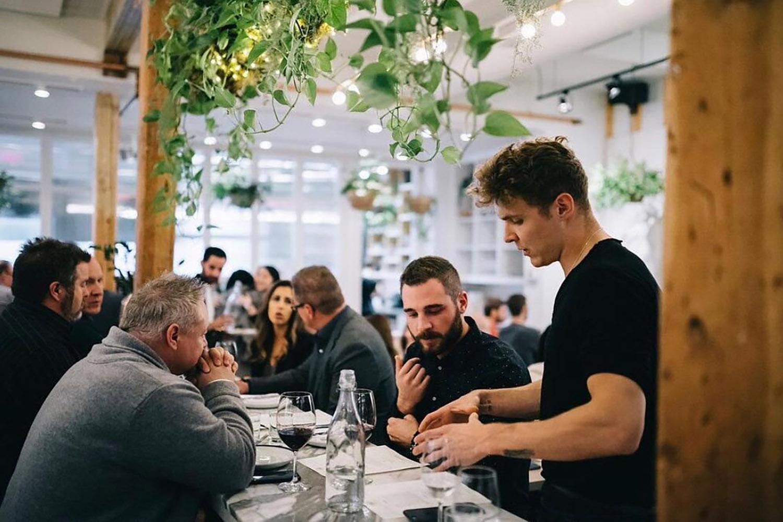 ten-foot-henry-Calgarys most beautiful Restaurants