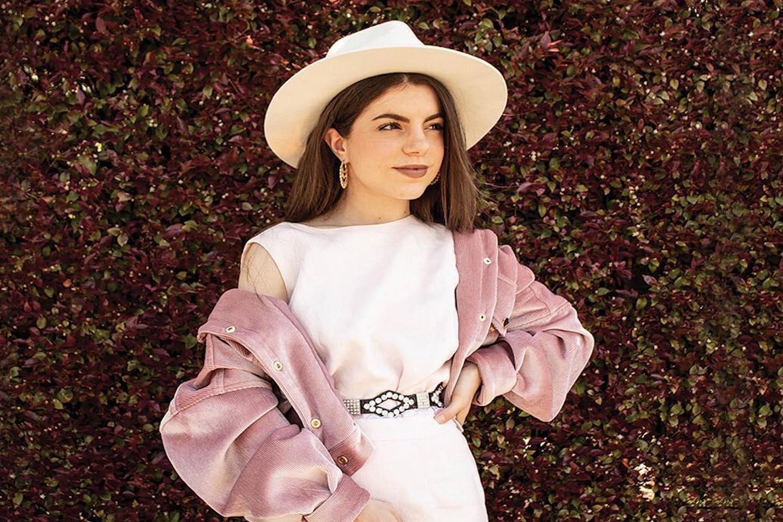 girl vintage hat pink