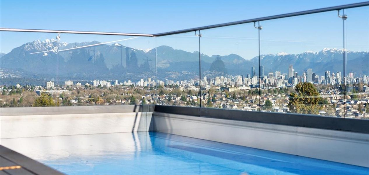 vancouver rooftop pool