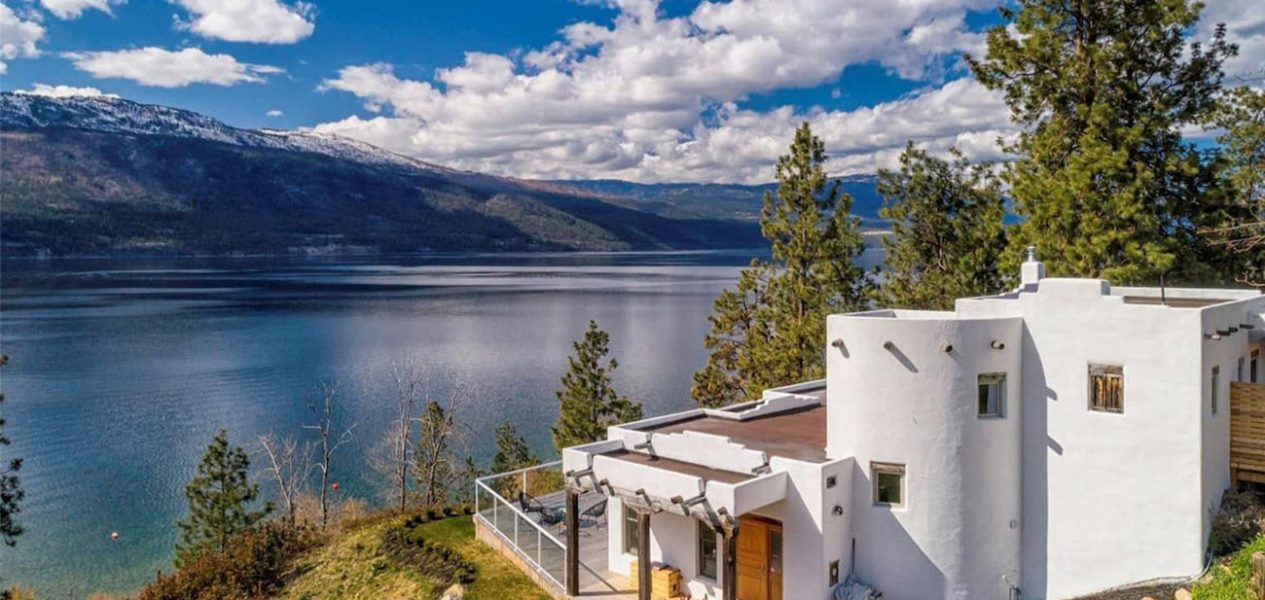 This lakefront Airbnb in the Okanagan is straight out of a fairytale