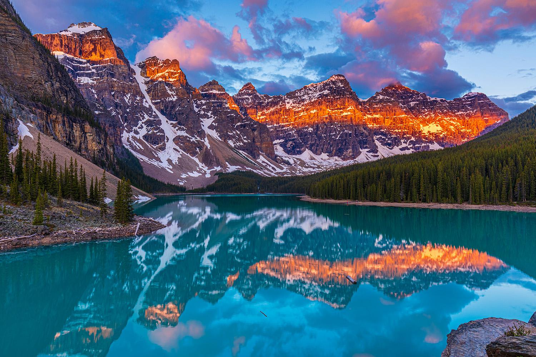 beautiful lakes in canada