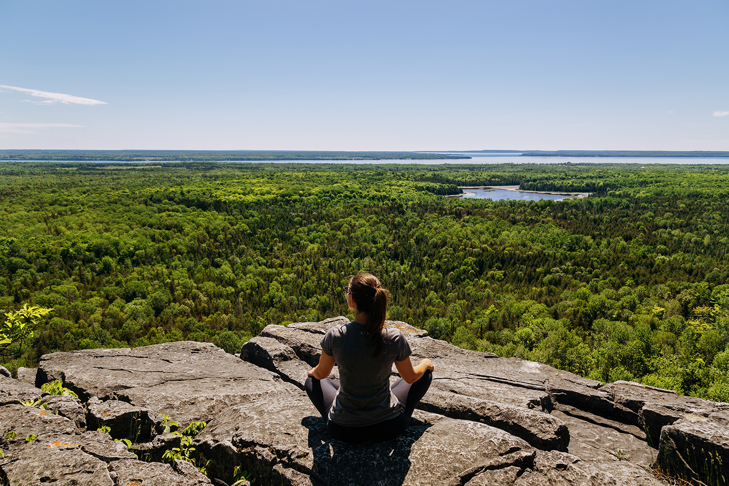 cup and saucer trail hikes near toronto