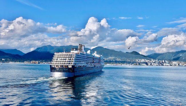 cruise ships canada