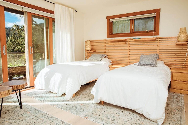 bowen island airbnb