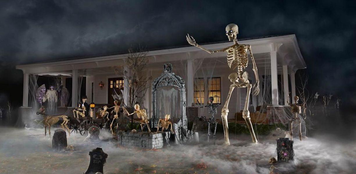 giant skeleton halloween