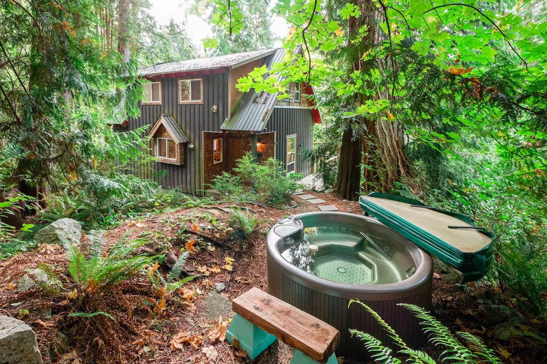 airbnbs bc fall
