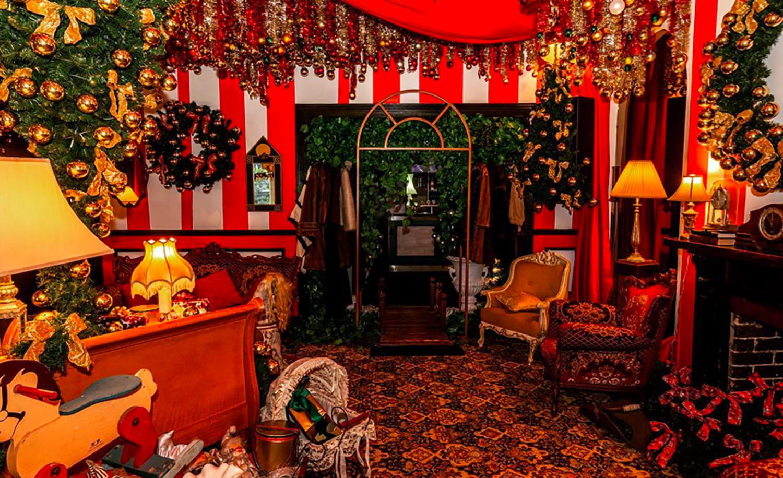 tinseltown christmas bar vancouver